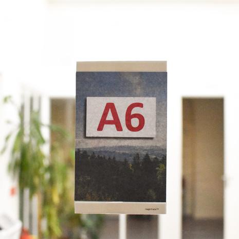 EasySign A6 med vit ram